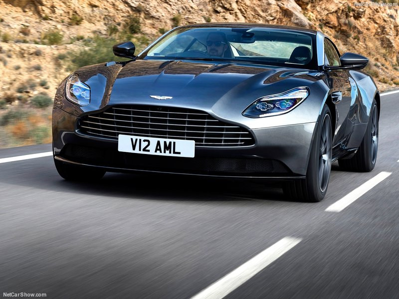 Aston_Martin-DB11_2017_800x600_wallpaper_07