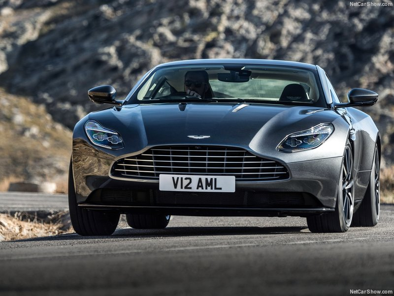 Aston_Martin-DB11_2017_800x600_wallpaper_09