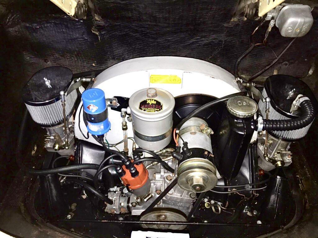 ポルシェ 356 C シャンパンイエロー_エンジンルーム